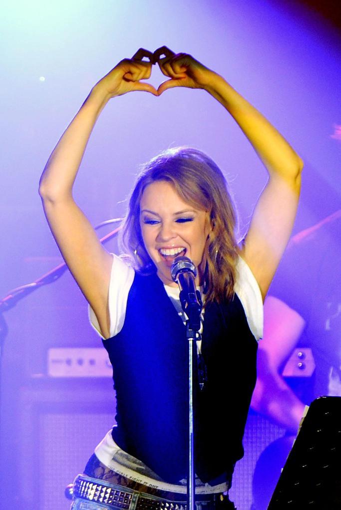 Kylie-Minogue_Anti-Tour-UK-Tour_Vettri.Net-05